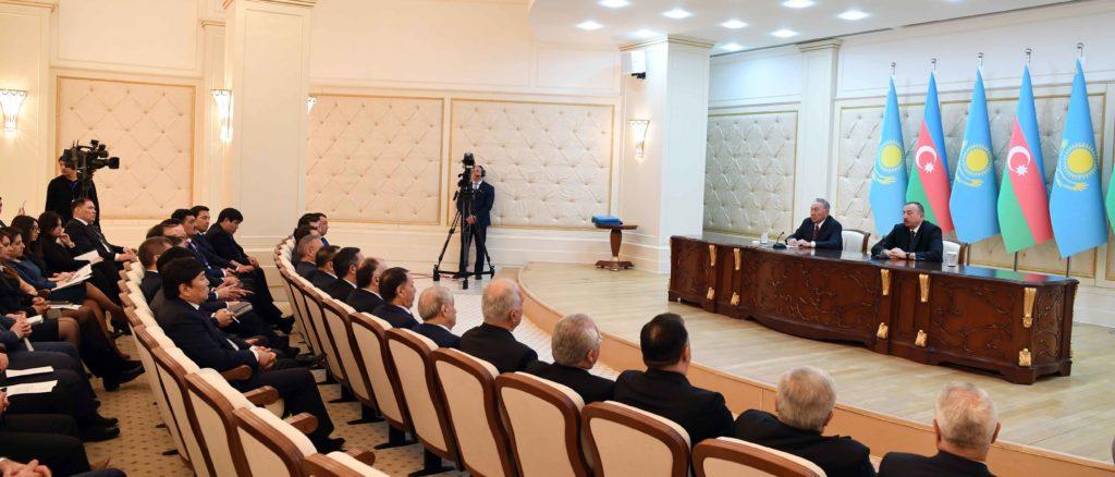 Завершился визит главы Казахстана в Баку