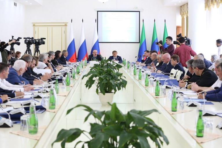 Перспективы развития рыбного хозяйства в Каспийском бассейне обсудили в Дагестане