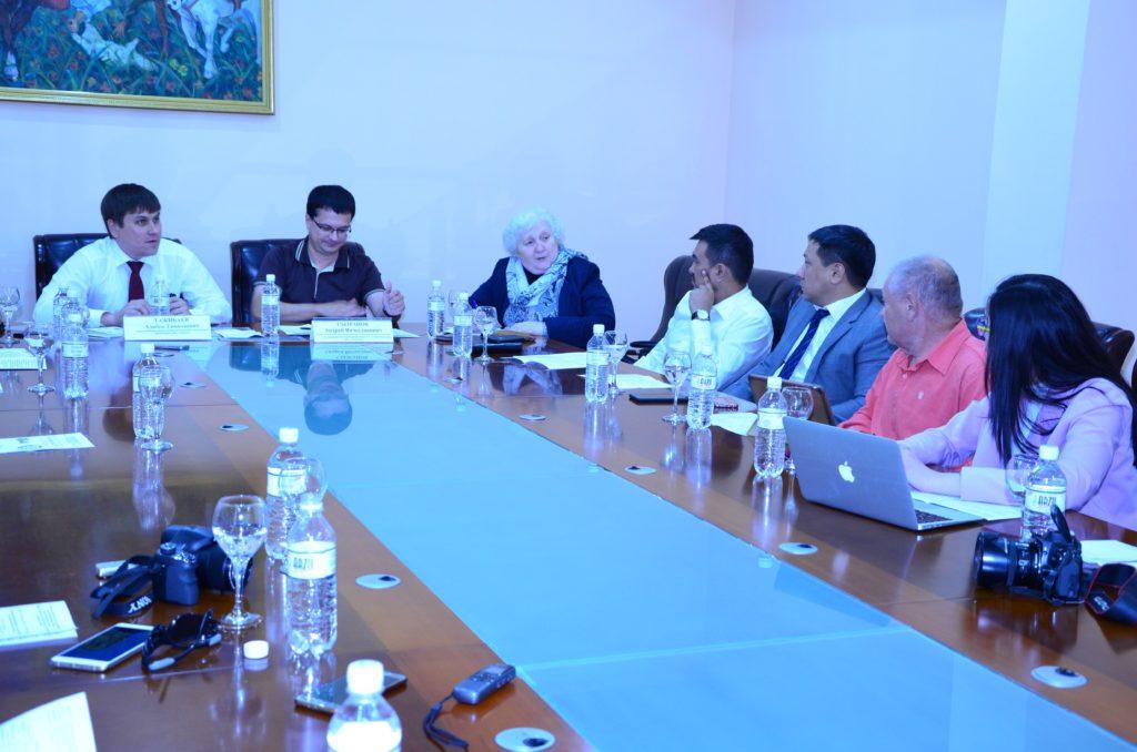 Каспийский экспертный клуб: ЕАЭС нуждается в эффективной и скоординированной работе в информационном поле
