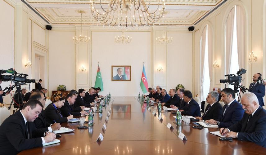 Транспорт и энергетика в сфере внимания каспийской политики Ашхабада и Баку