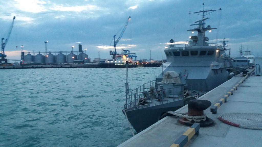 Казахстанские моряки направились с дружественным визитом в Иран