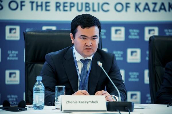 В Парламенте Казахстана обсудили каспийские грузоперевозки
