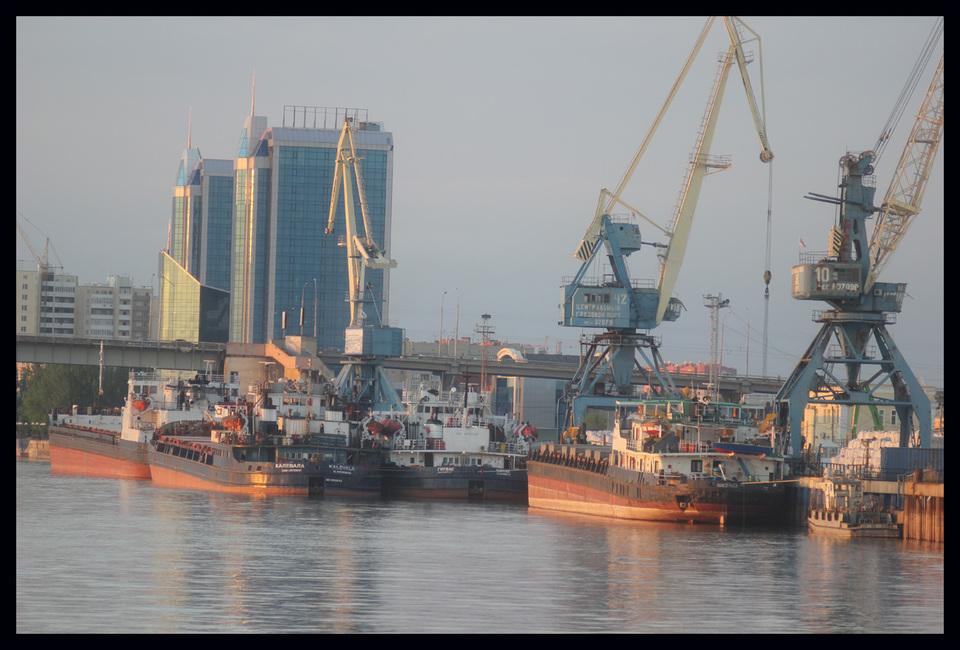 Отмечен рост грузооборота российских портов на Каспии