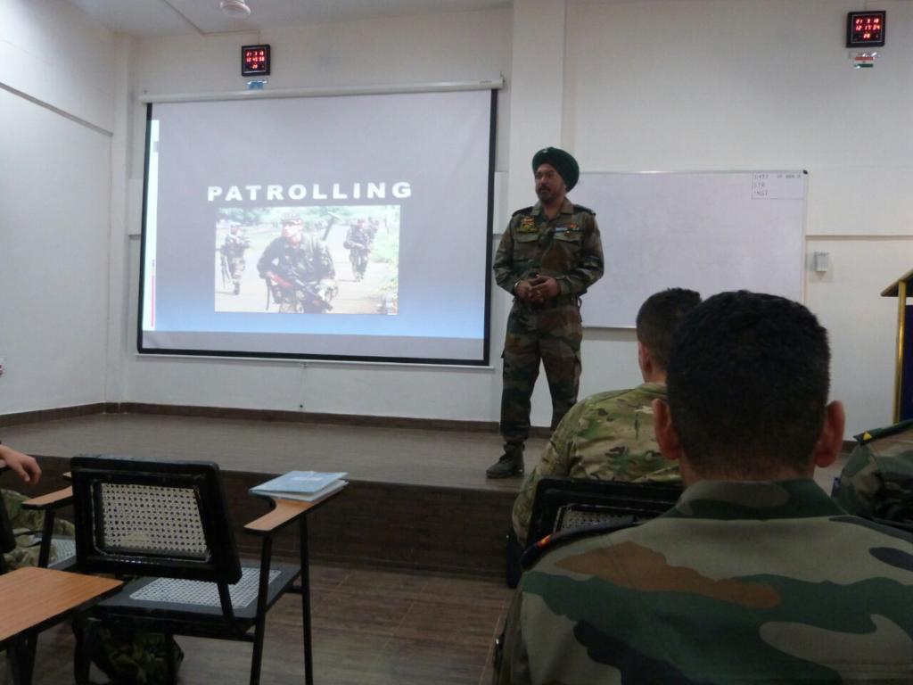 Казахстанские миротворцы продолжают обмениваться опытом с индийскими коллегами