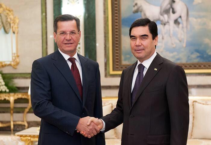 Губернатор Александр Жилкин посетил новый порт в Туркменистане