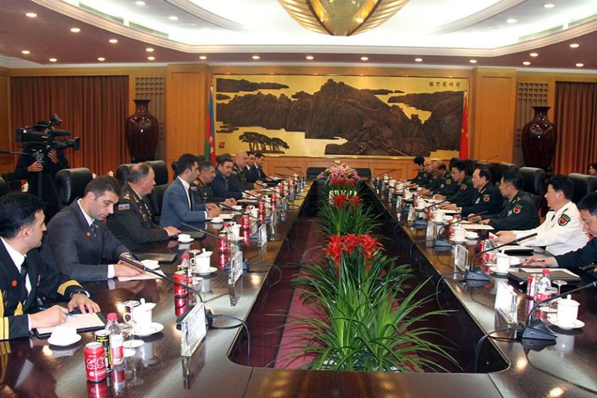 Состоялся визит главы минобороны Азербайджана в Пекин