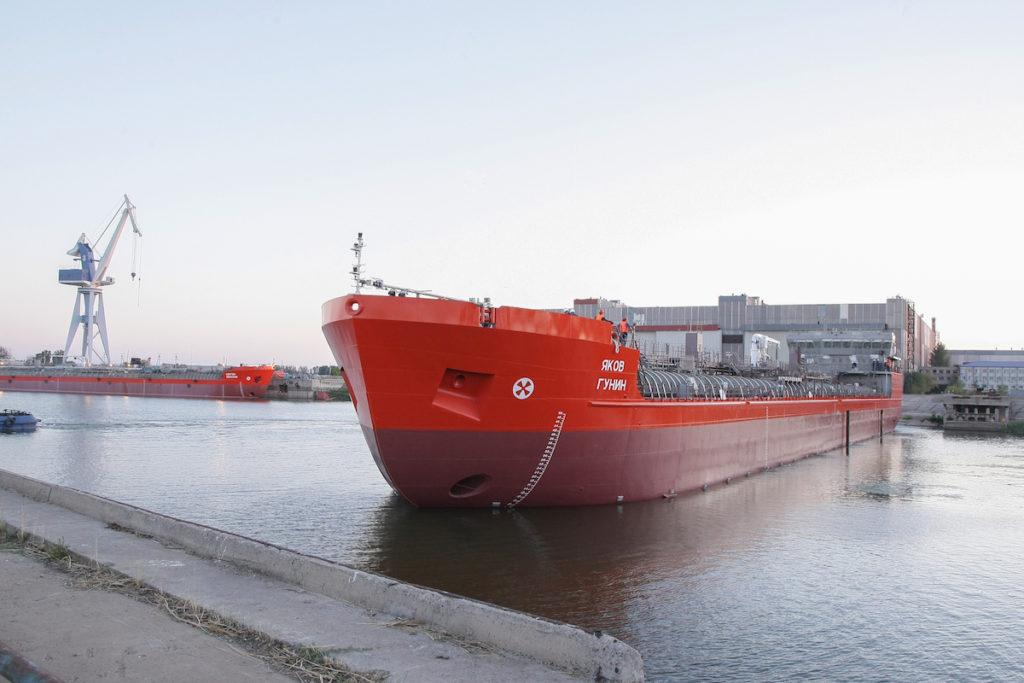 Астраханский губернатор проинспектировал особую экономическую зону «Лотос»