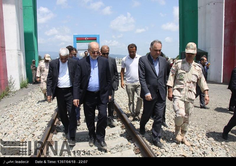 Тегеран стремится увеличить связи с Баку