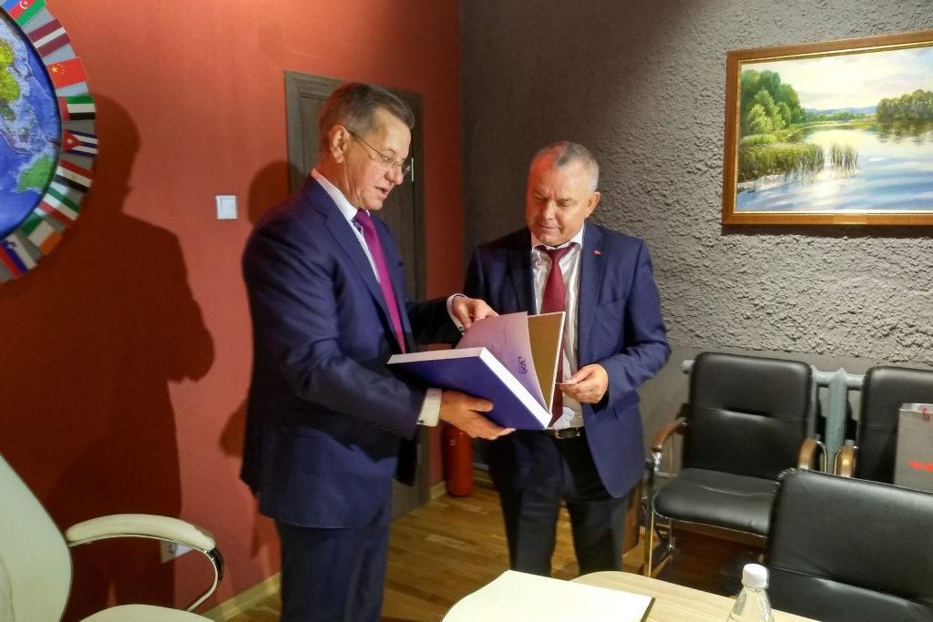 Астраханский губернатор пригласил Беларусь на Каспий