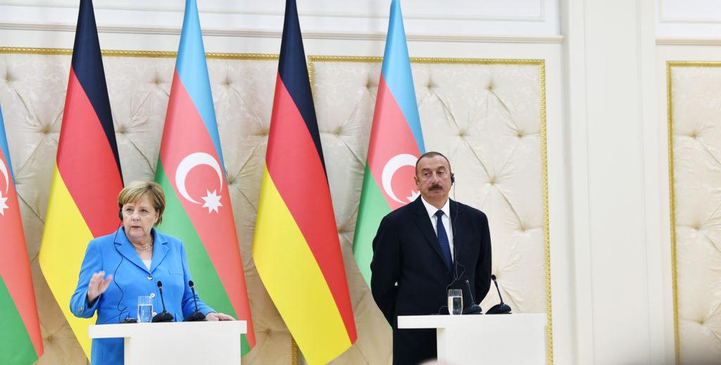Зачем Ангела Меркель впервые посетила Азербайджан