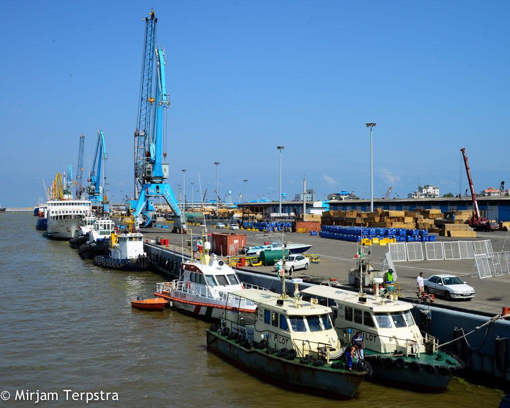 Иран подключит каспийский порт Энзели к железнодорожной сети