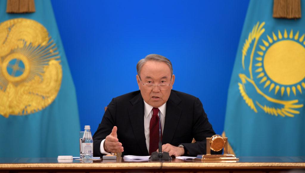 Казахстан проложит подводный кабель через Каспий