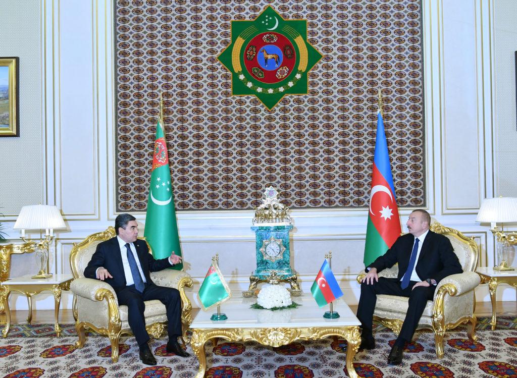 Туркменистан и Азербайджан провели переговоры на высшем уровне