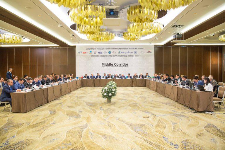 В Баку обсудили транскаспийский коридор