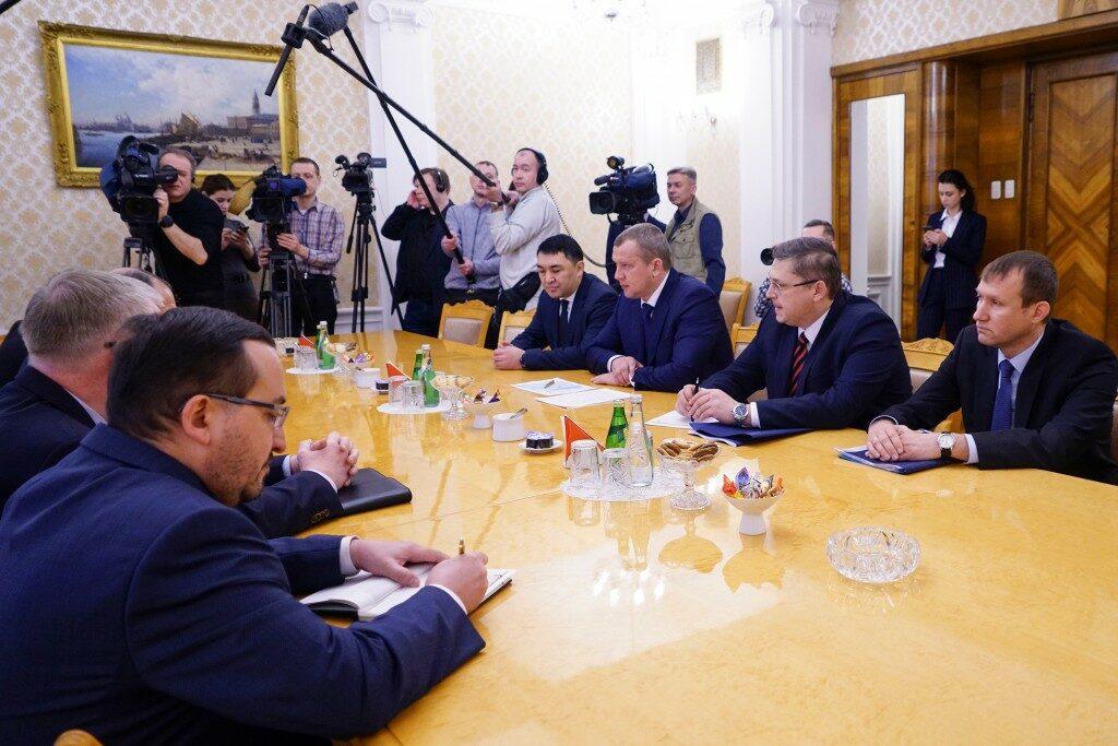 Встреча главы МИД и губернатора Астраханской области