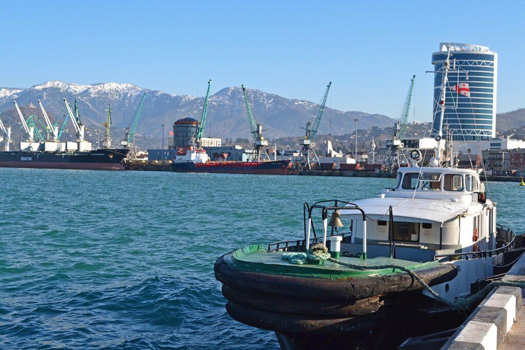В Грузии будет построен терминал для транспортировки каспийского карбамида