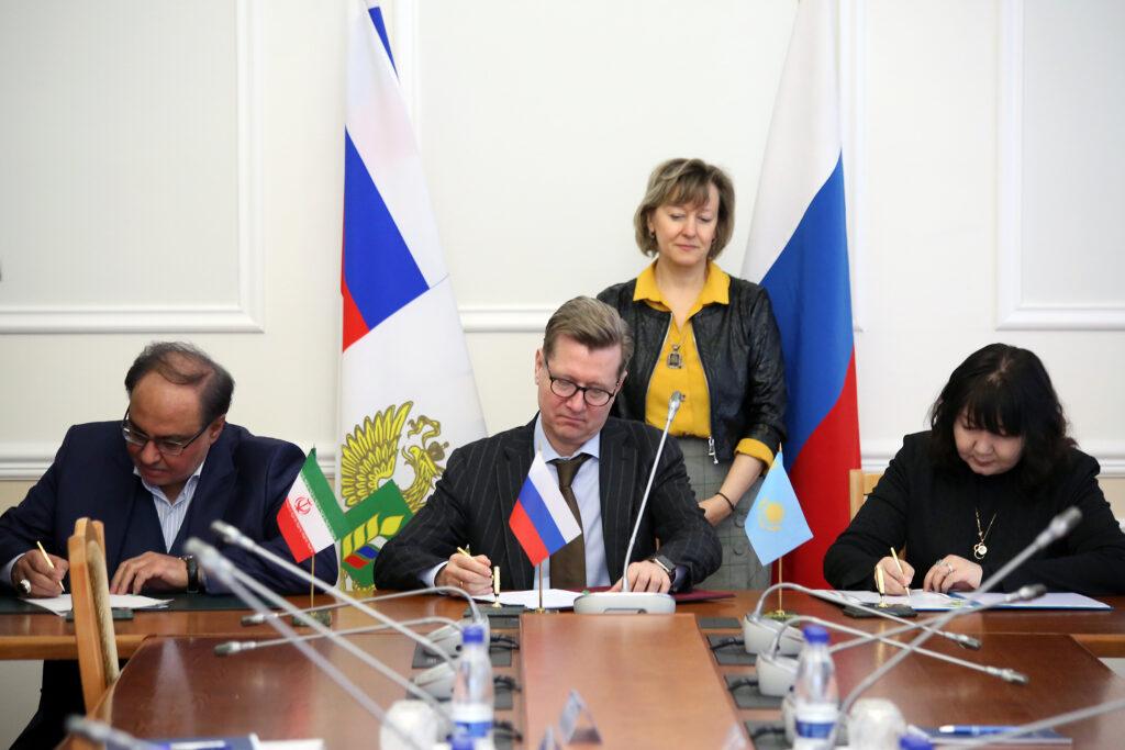 Россия, Казахстан и Иран подписали соглашение по  торговле пшеницей