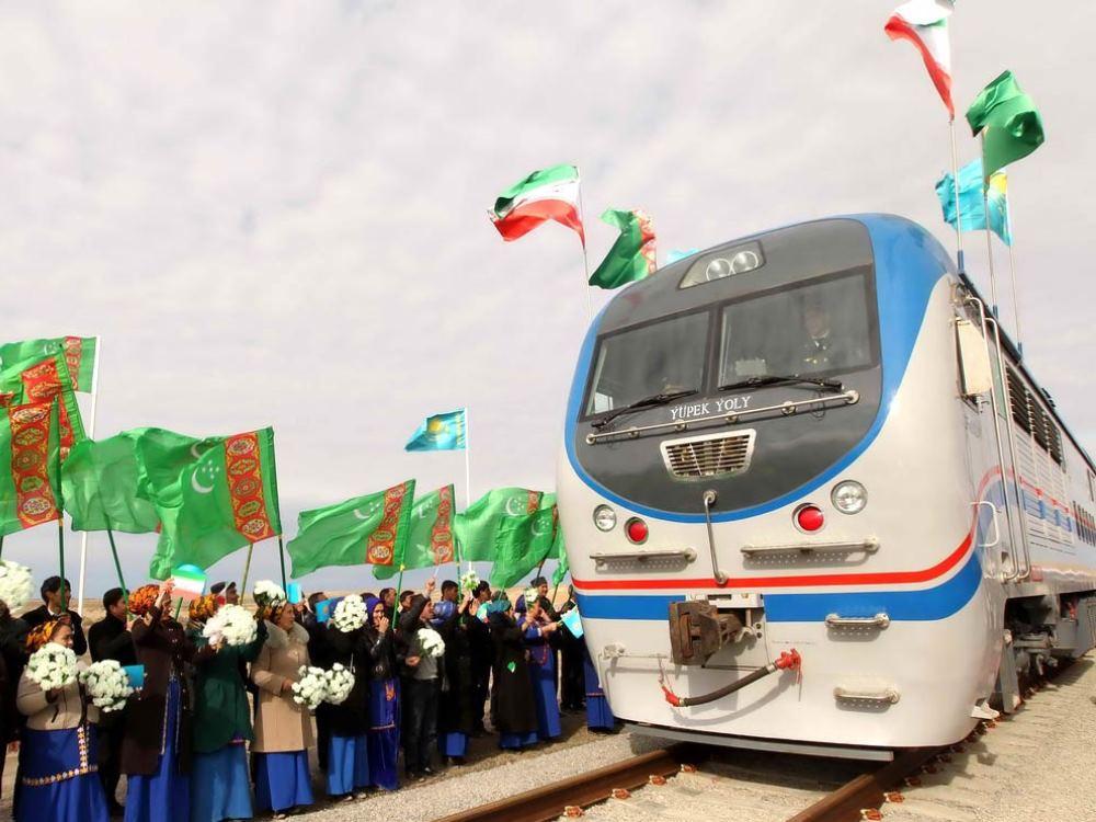 Иранские бизнесмены увеличат перевозку грузов через Туркменистан