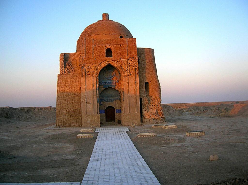 Туркменские исследователи изучают новые нумизматические свидетельства истории