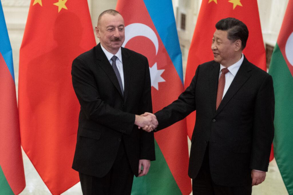 Азербайджанский порт на дороге Китая