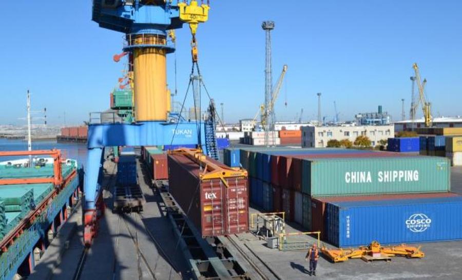 На транскаспийском маршруте запущен новый контейнерный сервис из Китая