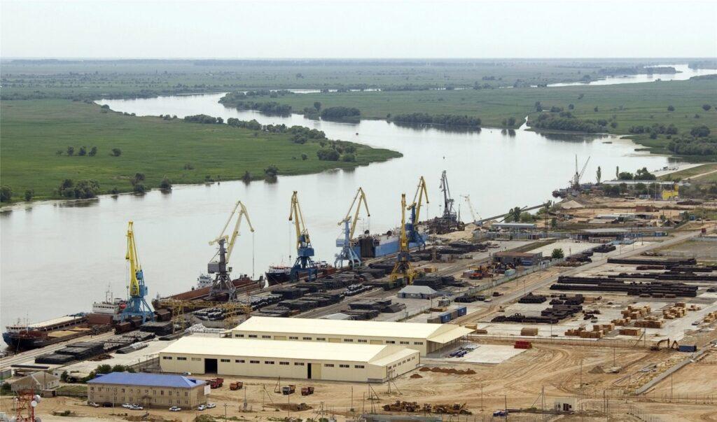 Астраханская область направила заявку в Минэкономразвития на создание портовой ОЭЗ