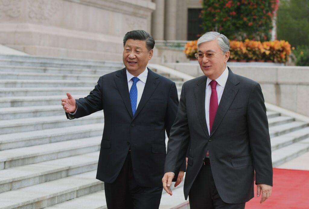 Президент Казахстана посетил Китай на фоне неприятностей на родине