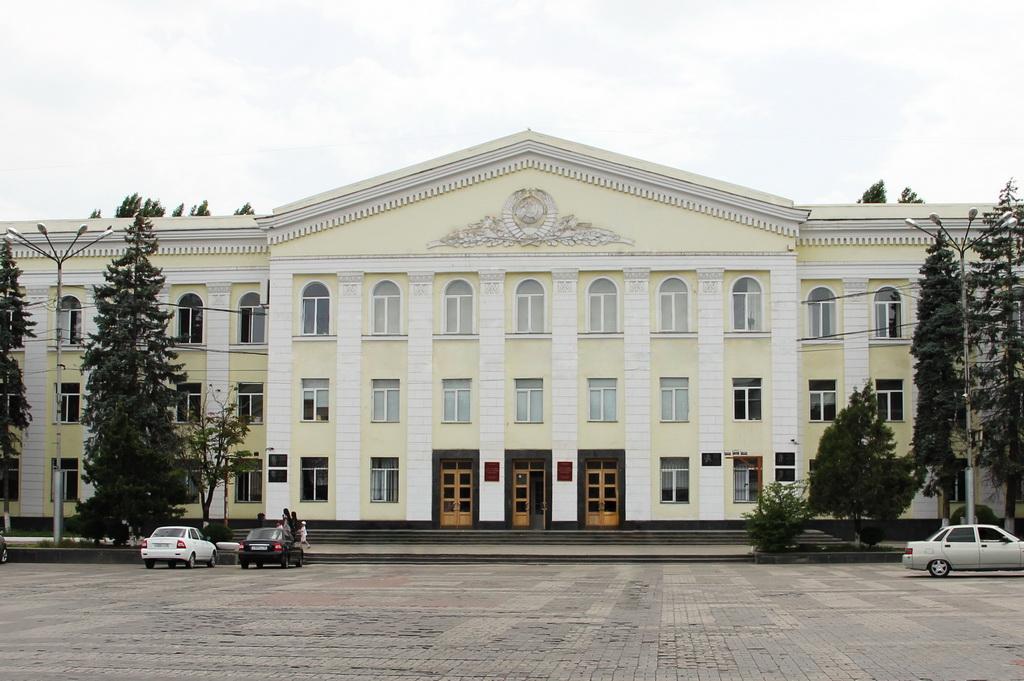 В ДГУ обсудили перспективы работы Ассоциации университетов Прикаспийских стран