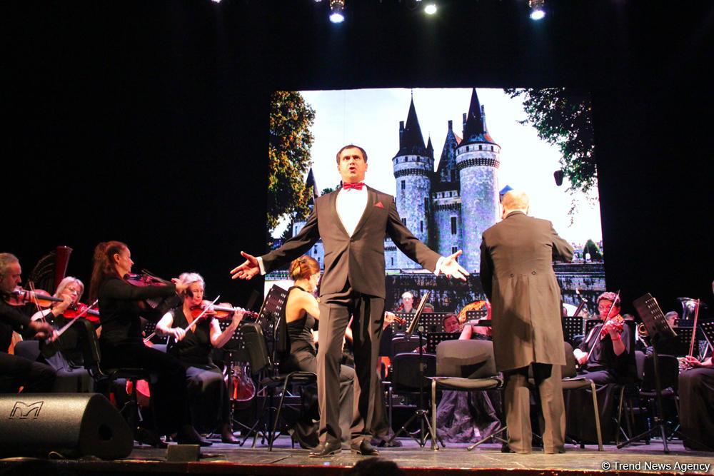 В Баку прошел гала-концерт солистов и оркестра театра «Санктъ-Петербургъ Опера»