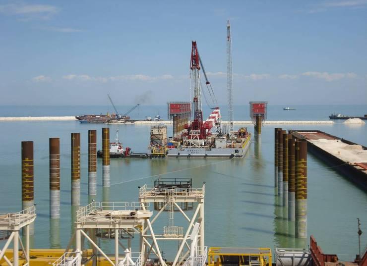 На казахстанском побережье Каспия развивается промышленная инфраструктура