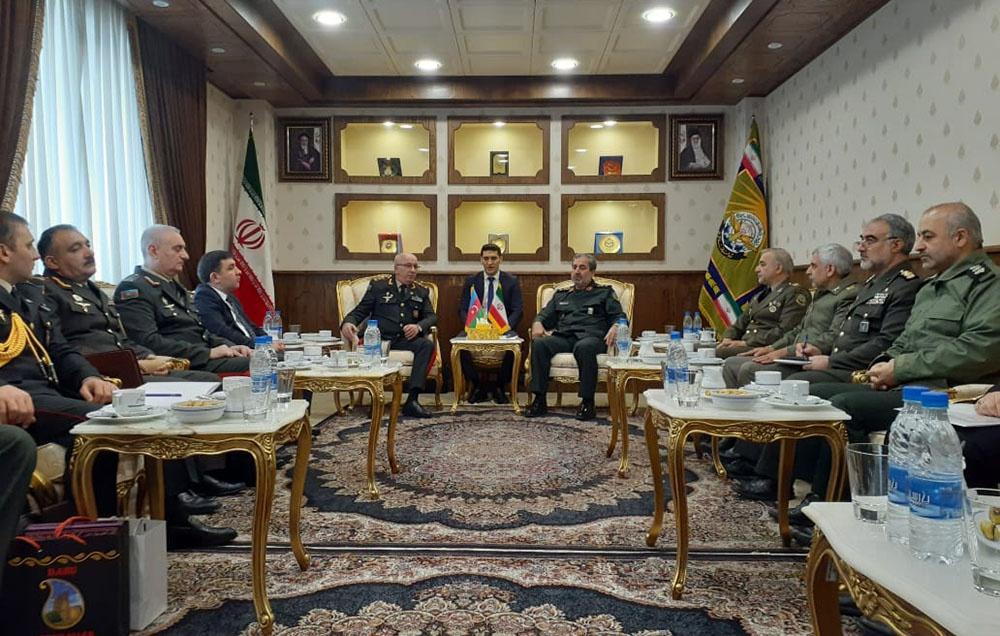 Иран и Азербайджан обсудили развитие военных связей
