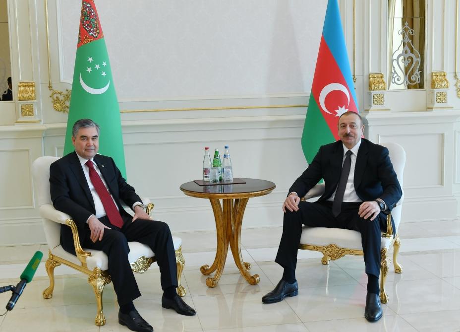 Начался визит Президента Туркменистана в Азербайджанскую Республику