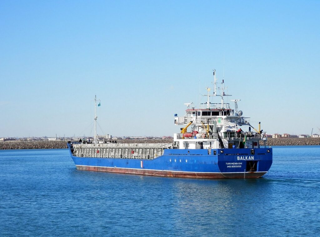 Махачкалинский порт развивает торговлю с Туркменистаном