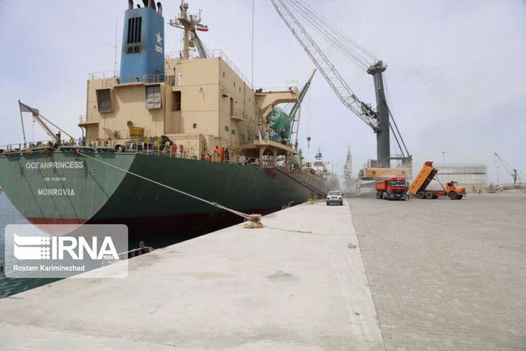 Иранское руководство продолжает развивать порт Чабахар