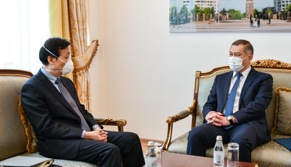 Между Казахстаном и Китаем пробежала «чёрная кошка»