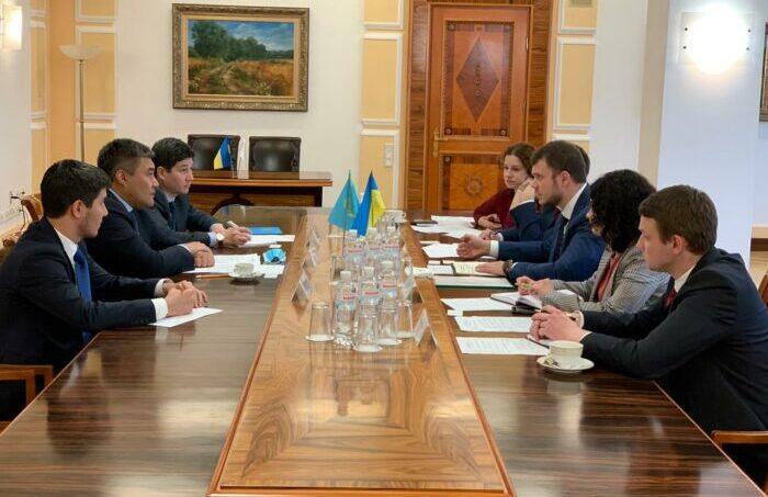 Представители Казахстана и Украины провели переговоры в Киеве