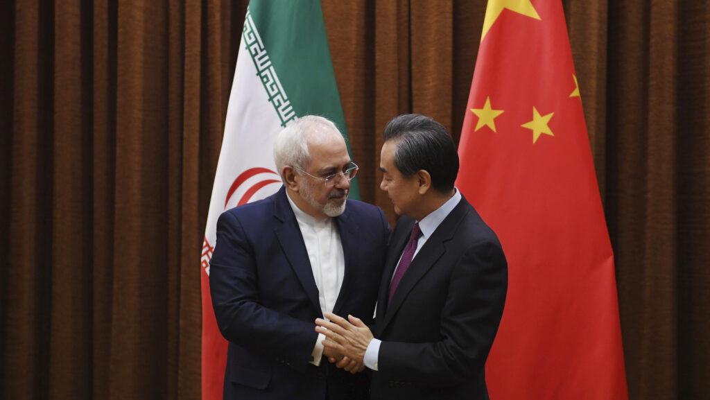 Расширение китайско-иранского сотрудничества беспокоит  американских экспертов