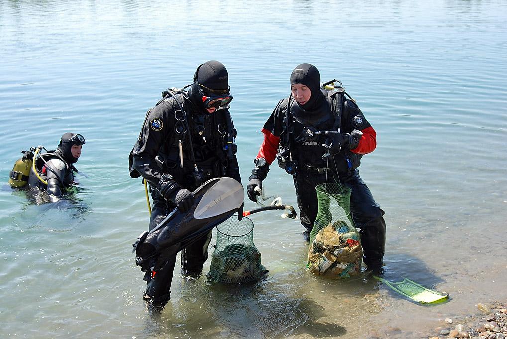 В акватории казахстанского города  Актау провели подводный субботник
