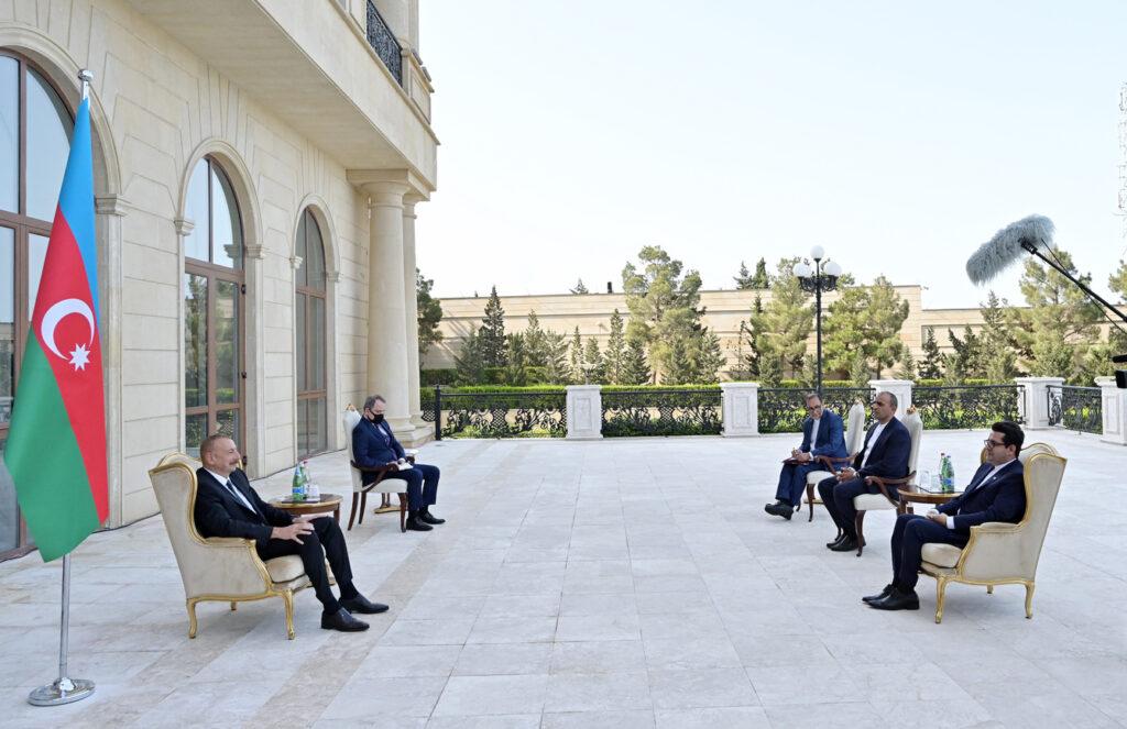 Ильхам Алиев принял нового посла Ирана Аббаса Мусави