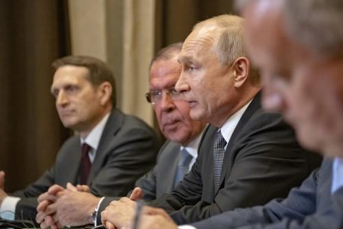Война в Нагорном Карабахе требует от России уравновешивающего акта