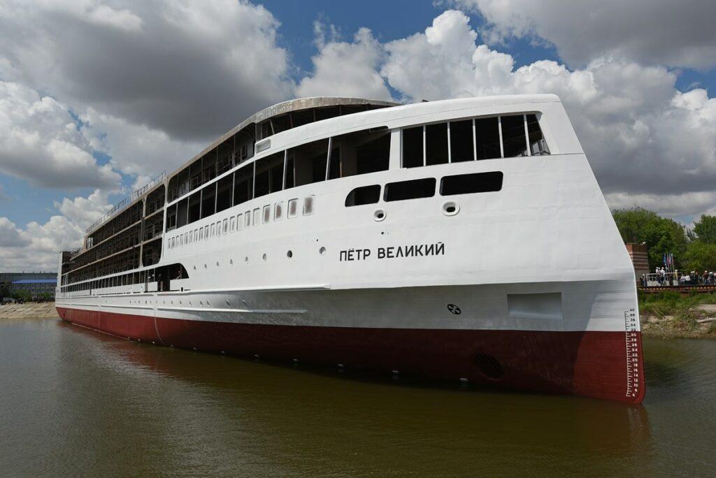 Круизный лайнер «Петр Великий» планируется передать заказчику в апреле 2021 года