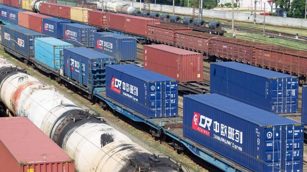 Казахстан может ограничить транзит железнодорожных контейнеров из Европы в Китай