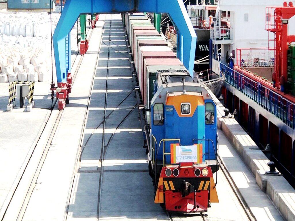 Первый экспортный контейнерный поезд из Турции в Китай успешно прибыл в пункт назначения