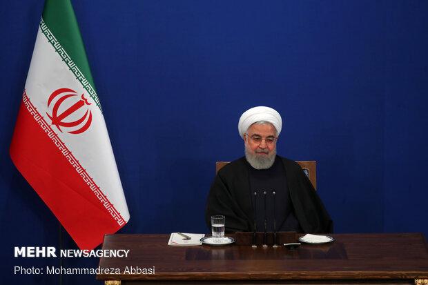 Президент Ирана призвал к завершению строительства железной дороги к порту Энзели