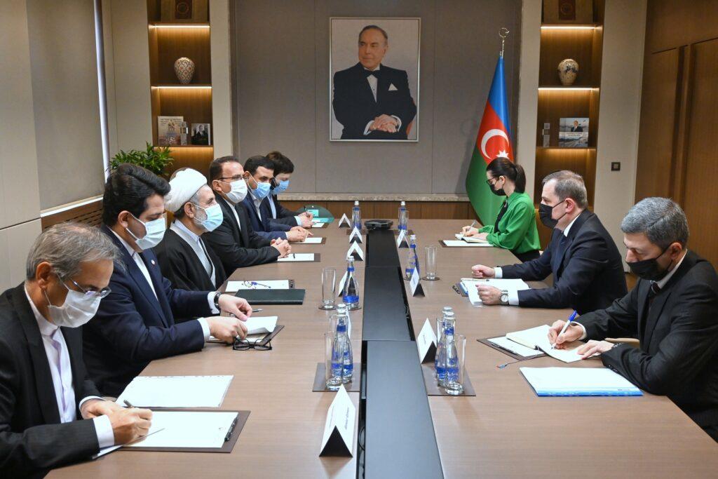 Делегация иранского парламента посетила с визитом Азербайджан