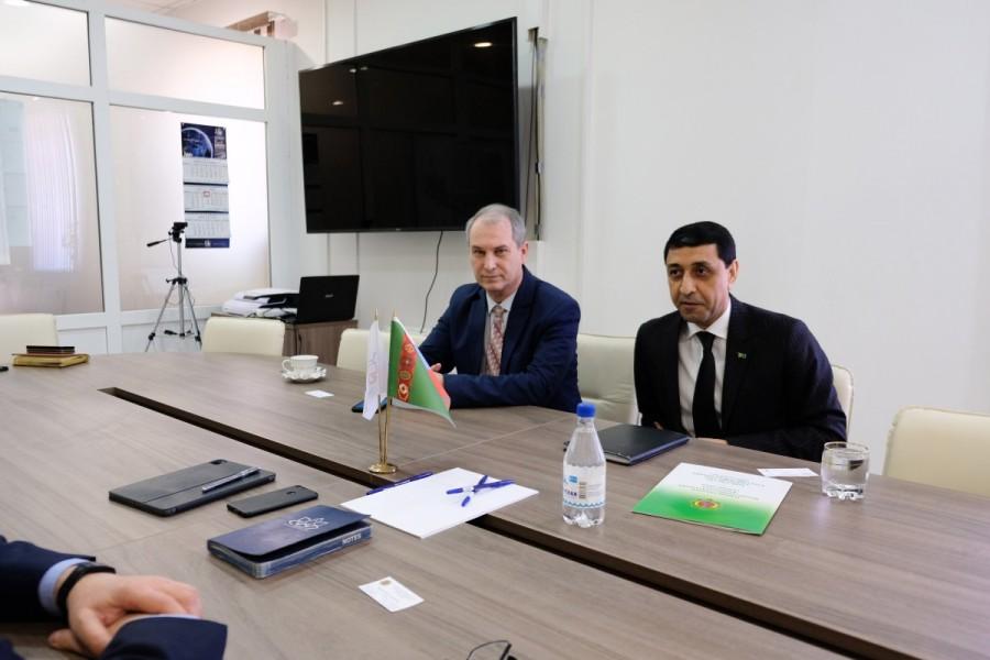 Туркменистан рассматривает возможность открытия логистического центра в Астрахани