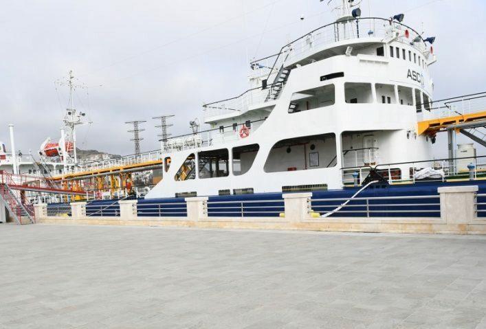 В Баку открылся первый в мире танкер-музей о нефтегазовой истории Каспия