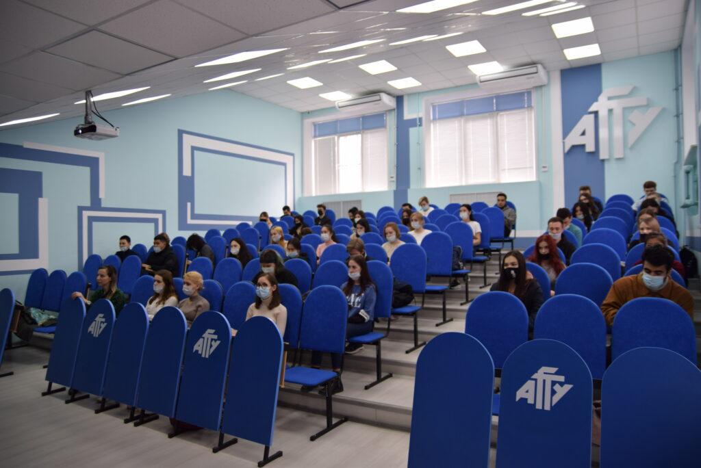 Азербайджанский политолог рассказал российским студентам о геополитике Каспия