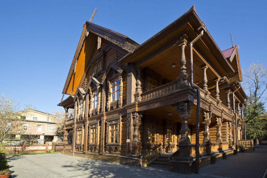 В Астрахани открылась выставка посвященная 60-летию Астраханского отделения РГО