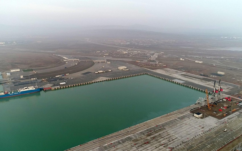 В Бакинском морском торговом порту будут построены новые терминалы